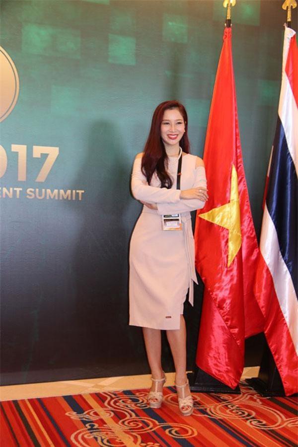CEO Nguyễn Thu Hương đã làm rạng danh cộng động nữ doanh nhân Việt Nam nói riêng và cộng đồng doanh nhân Việt nói chung. Ảnh: vanhoadoanhnhan.net