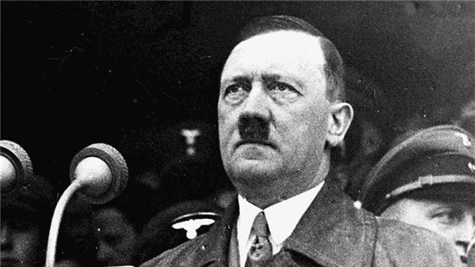 Nong: Hitler tham vong danh bai Anh bang socola chua thuoc no