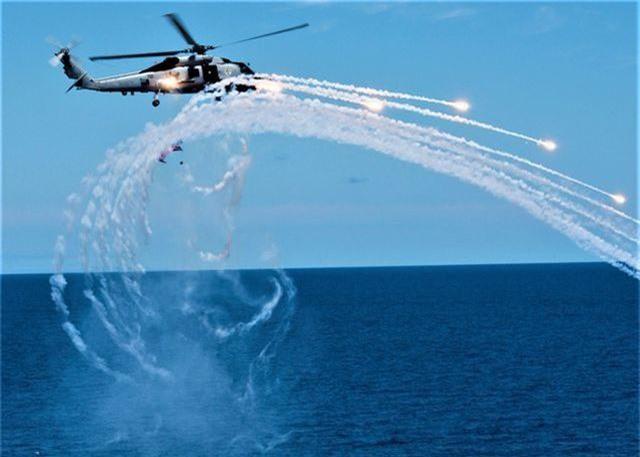 """""""Soi"""" sát thủ toàn năng Sikorsky MH-60R """"Diều hâu biển"""" - 2"""