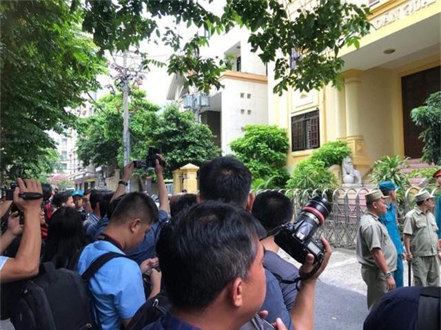 Tòa tuyên án bị cáo Nguyễn Hữu Linh 18 tháng tù - Ảnh 2.
