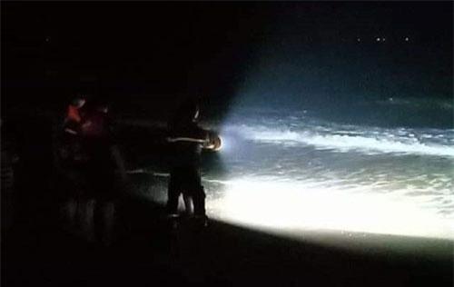 Công tác cứu hộ được triển khai ngay trong đêm.