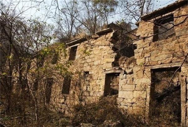 Ngôi làng tử khí Phong Môn: Nơi đặt chân tới lần đầu sẽ không dám quay lại lần hai - Ảnh 2.
