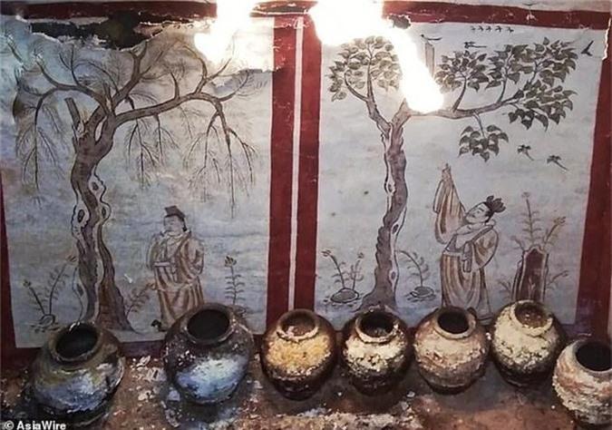 Canh tuong cuc soc ben trong mo co vuong gia Trung Quoc-Hinh-2