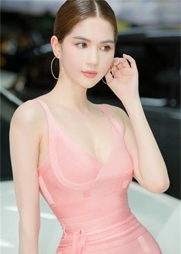 Ngoc Trinh goi cam, an dut tinh moi tin don cua Khac Tiep-Hinh-14