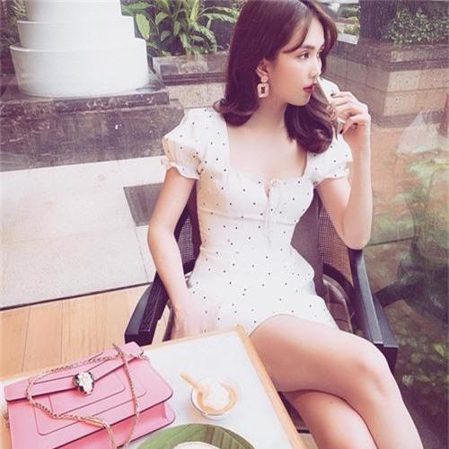 Ngoc Trinh khoe ba vong quyen ru, goi cam khong ai bang-Hinh-4