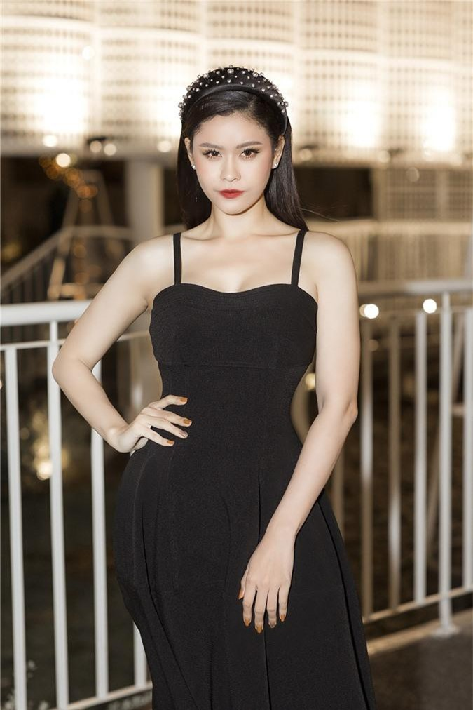 Tim vướng tin hẹn hò Đàm Phương Linh, Trương Quỳnh Anh tuyên bố: Chuyện bên ngoài cánh cửa tôi đã không quan tâm nữa-7
