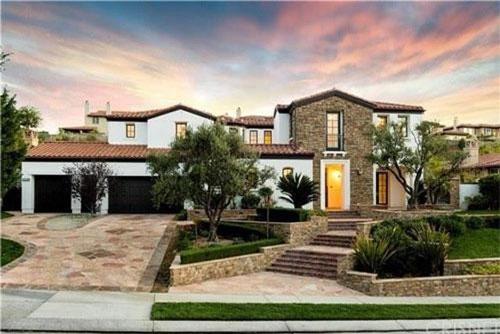 """Năm 2015, khi mới 17 tuổi, Kylie Jenner chi 2,7 triệu USD để mua căn nhà đầu tiên của mình. Hai năm sau, 'hot girl số một Hollywood"""" bán biệt thự này với giá 3,15 triệu USD. Ảnh: Trulia."""