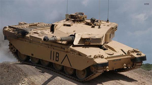 Đến nay, chiếc xe tăng nặng nhất từng được ghi nhận có tên Chellenger, do người Anh sản xuất. Theo đó, chiếc xe tăng này nặng tới 62.000 kg.