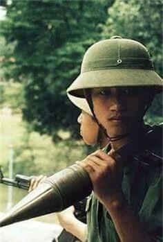 Sung chong tang B-40: Huyen thoai sanh ngang AK-47 trong chien tranh Viet Nam-Hinh-2