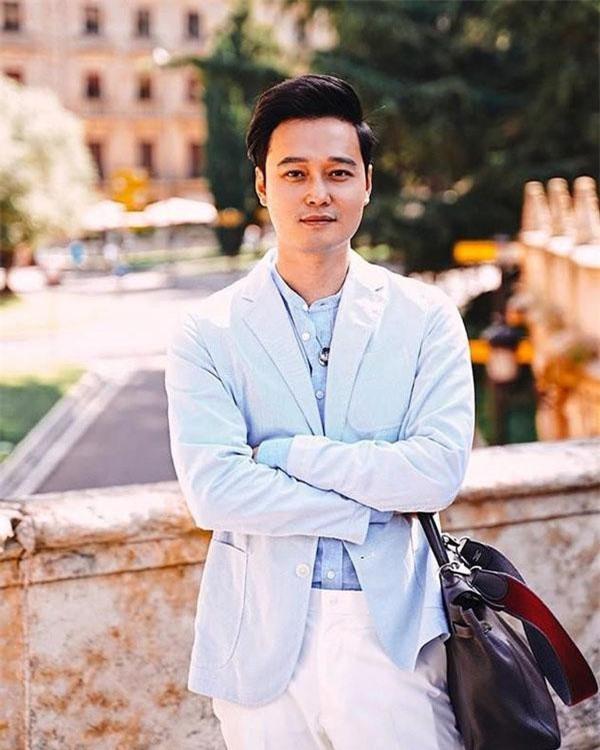 Ở tuổi 37, Quang Vinh vẫn trẻ trung, phong độ.