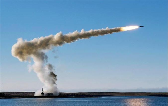 Bastion phóng tên lửa Yakhont. Ảnh: TASS