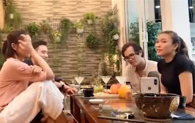 """Mỹ Tâm cùng Phan Mạnh Quỳnh, Khắc Hưng """"quẩy"""" hit Chàng trai viết lên cây phiên bản nhậu."""