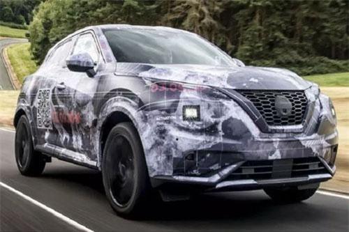 Hình ảnh mới của của mẫu Nissan Juke thế hệ mới tiết lộ nhiều chi tiết về thiết kế. Dù toàn bộ thân xe đã được ngụy trang nhưng vẫn có thể dễ dàng hình dung được ngoại hình xe.
