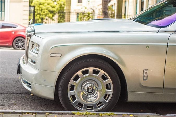 Rolls-Royce Hadar hon 40 ty, doc nhat the gioi tai Ha Noi-Hinh-5