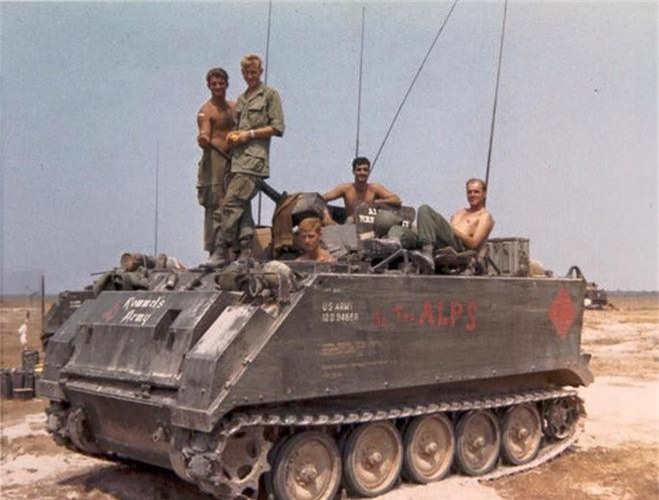 Tham canh thiet giap M113 My khi gap hoa luc quan giai phong-Hinh-10
