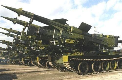 T-55 dùng khung bệ cho bệ phóng tên lửa phòng không tầm trung SA-3. Ảnh: Global Security