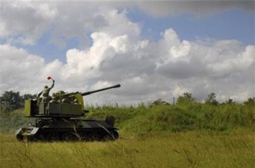 Loại pháo được trang bị là KS-19 100mm do Liên Xô sản xuất, có tầm băn lên tới 21km, độ cao xạ kích 12-15km. Ảnh: Global Security