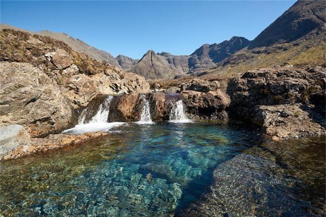 Ghé thăm hòn đảo được mệnh danh là thế giới thần tiên, chiêm ngưỡng các kiệt tác địa hình đẹp mê hồn - Ảnh 5.