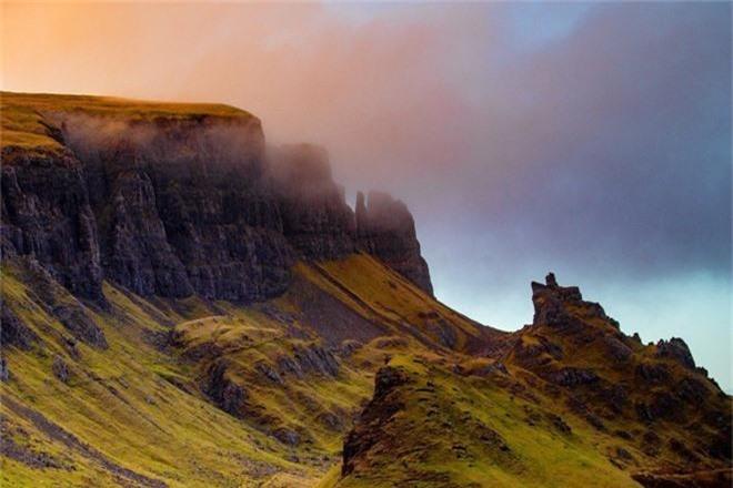 Ghé thăm hòn đảo được mệnh danh là thế giới thần tiên, chiêm ngưỡng các kiệt tác địa hình đẹp mê hồn - Ảnh 2.