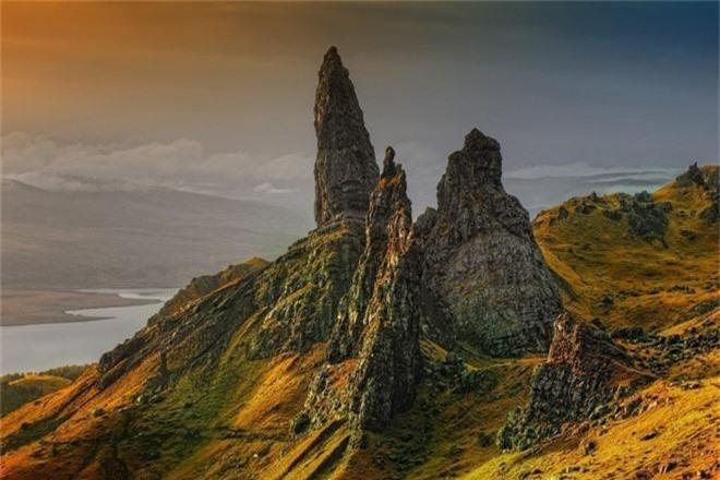 Ghé thăm hòn đảo được mệnh danh là thế giới thần tiên, chiêm ngưỡng các kiệt tác địa hình đẹp mê hồn - Ảnh 4.