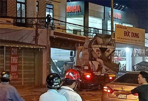 Hiện trường vụ tai nạn khiến hai người tử vong.