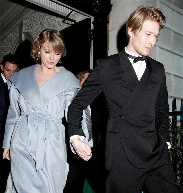 Taylor Swift: Không muốn bàn về chuyện tình yêu - Ảnh 1.