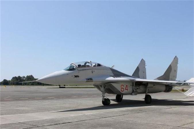 Ty phu dong sang lap Microsoft rao ban... tiem kich MiG-29-Hinh-2