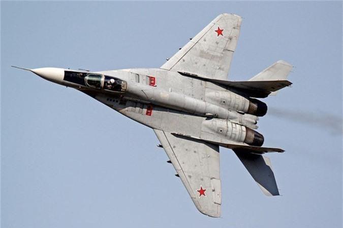Ty phu dong sang lap Microsoft rao ban... tiem kich MiG-29-Hinh-3