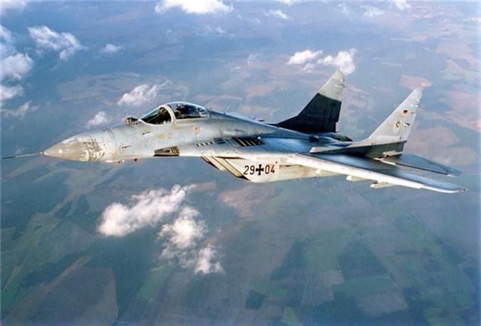 Ty phu dong sang lap Microsoft rao ban... tiem kich MiG-29-Hinh-6