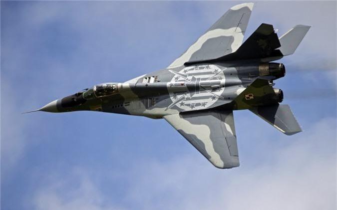 Ty phu dong sang lap Microsoft rao ban... tiem kich MiG-29-Hinh-7