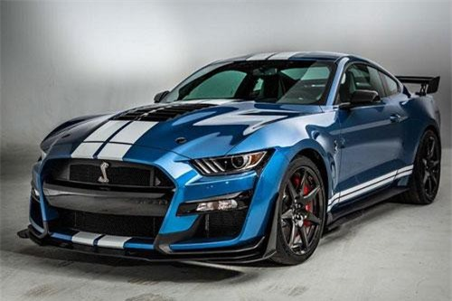 Ford Shellby Mustang GT500.