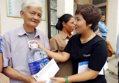 Chị thường xuyên làm công tác từ thiện