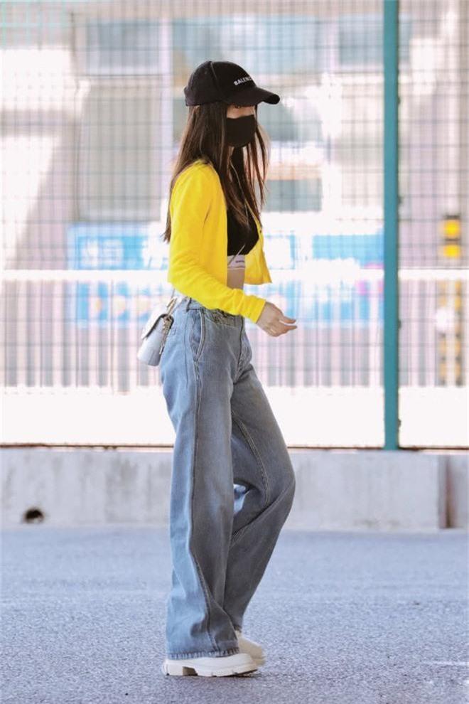 Giữa scandal ly hôn Huỳnh Hiểu Minh, Angela Baby liên tiếp cố tình mặc trang phục táo bạo, khoe vòng eo triệt để - Ảnh 6.