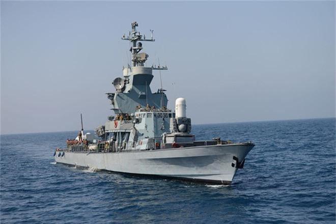 Kinh hoàng trước dàn vũ khí đồ sộ của chiến hạm 500 tấn Israel - Ảnh 1.