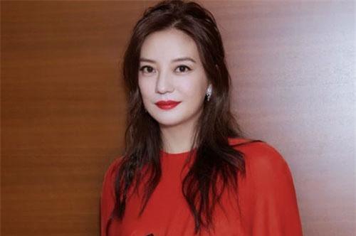 Đại diện quản lý của Triệu Vy phủ nhận tin đồn cô bí mật sinh con trai cho chồng đại gia.