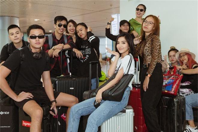 Bích Phương xinh đẹp đáng gờm, chảnh xả xuất hiện tại sân bay sang Indonesia dự show khủng với MAMAMOO, Monsta X - Ảnh 6.
