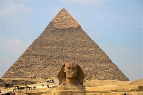 """Sở dĩ người Ai Cập xây dựng nhiều kim tự tháp """"khủng"""" như vậy là bởi họ tin vào sự tái sinh và bất tử."""