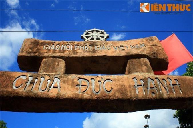 Tan muc ngoi chua xay bang vat lieu la doc nhat VIet Nam-Hinh-10