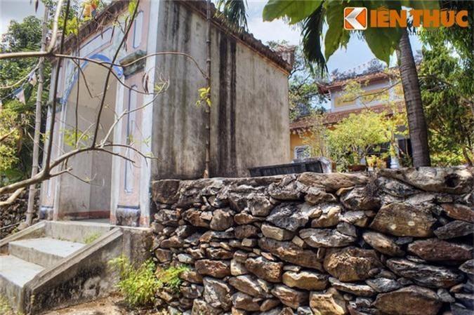 Tan muc ngoi chua xay bang vat lieu la doc nhat VIet Nam-Hinh-14