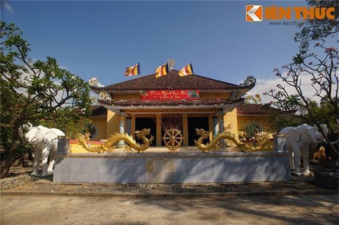 Tan muc ngoi chua xay bang vat lieu la doc nhat VIet Nam-Hinh-5