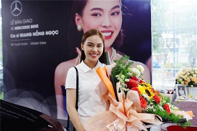 Giang Hong Ngoc tau xe sang Mercedes-Benz E-Class hon 2 ty-Hinh-4