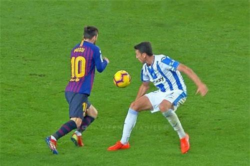 Messi (trái) có không ít tình huống xử lý đẹp mắt.