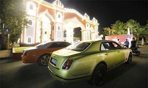Bentley và Rolls-Royce Ghost hơn 65 tỷ của đại gia Dũng Lò Vôi.