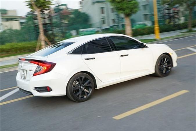 Trai nghiem Honda Civic RS moi tu 929 trieu tai Viet Nam-Hinh-14
