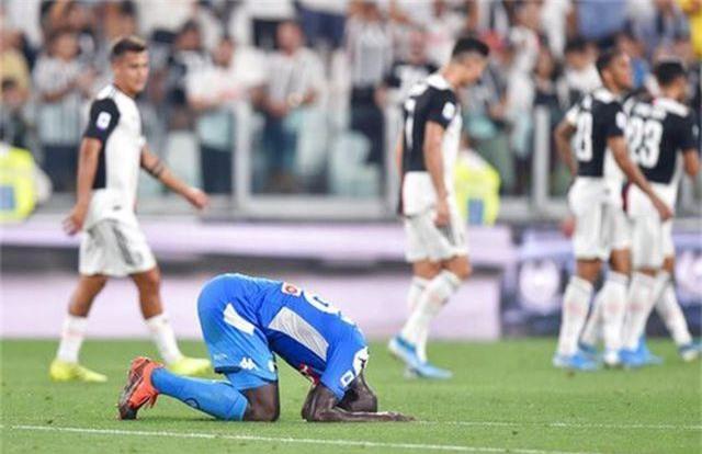 C.Ronaldo lập công, Juventus thắng nghẹt thở 4-3 trước Napoli - 2