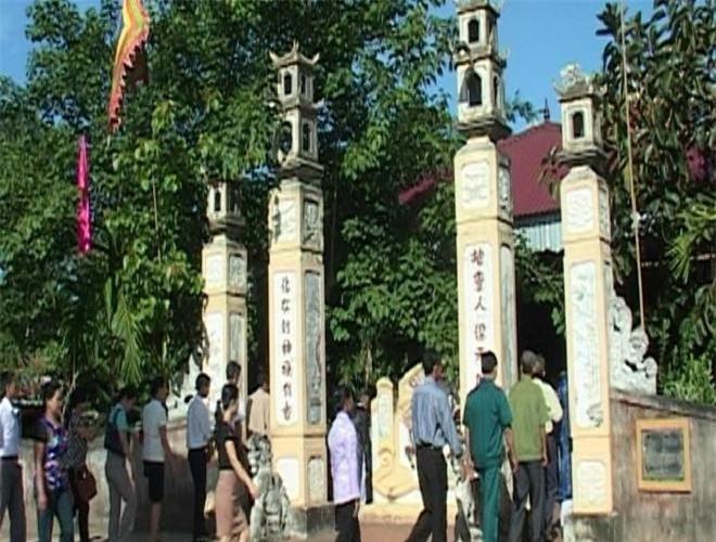 Lễ hội tưởng nhớ Mẫn Lệ phi được tổ chức vào tháng ba hàng năm