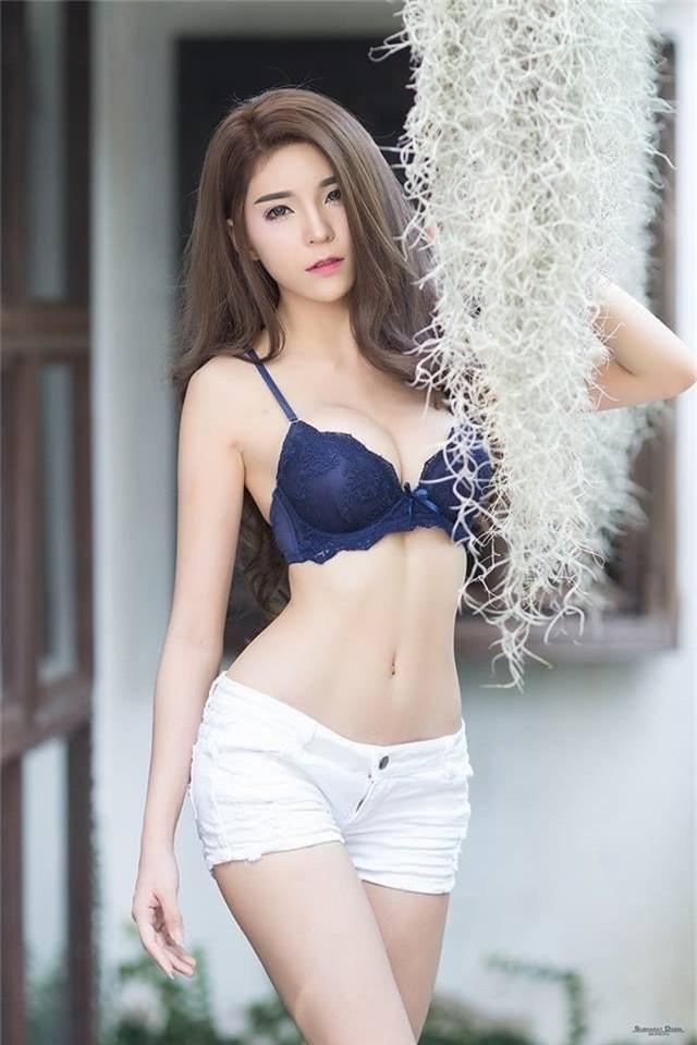 Vòng một siêu phẩm của hot girl gợi tình nhất châu Á - Ảnh 2.