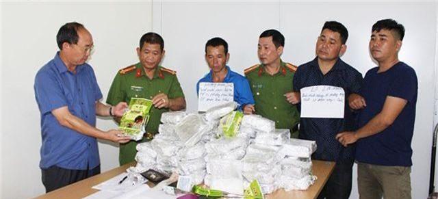 Điện Biên: Bắt vụ vận chuyển 50kg ma túy đá - 1