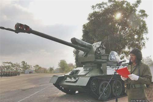 """Theo tờ Russiyskaya Gazeta, Quân đội Cuba với tiềm lực công nghiệp quốc phòng nội địa """"bí ẩn"""", họ đã trao """"thành công"""" cho dòng xe tăng huyền thoại T-34-85 """"cuộc sống thứ 2"""" trong lực lựng vũ trang nước này thay vì phải tiễn chúng vào các lò rã xác, bán sắt vụn. Ảnh: pinterest.ru"""
