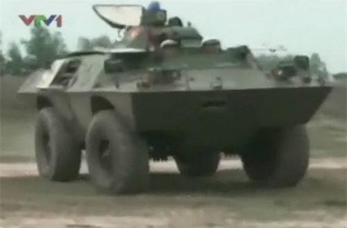 Xe thiết giáp V-100 Commando của Việt Nam. Ảnh: VTV1.